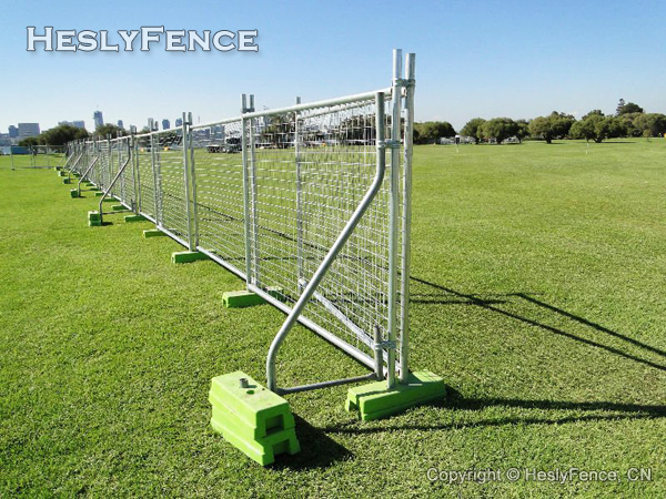 Temporary Fence Stays