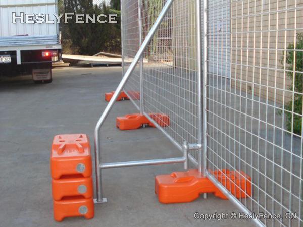 Temporary Fencing Brace